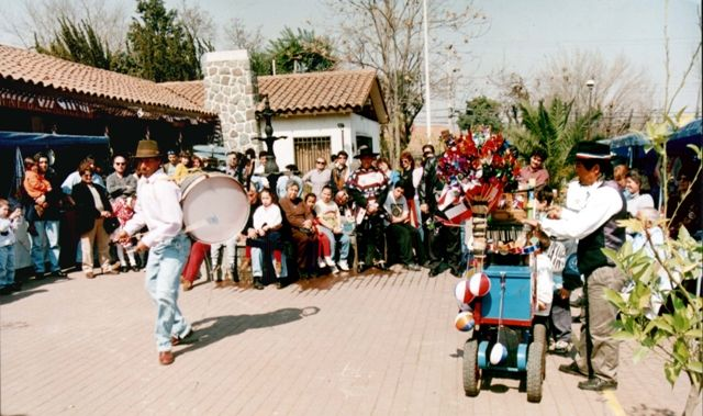 Participa de la fiesta costumbrista casa de campo en la for Casa de campo la reina